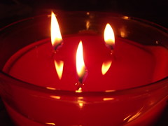040/365 (Owen H R) Tags: light red reflection fire candle day40 day40365 09feb13 3652013 owenhr 365the2013edition