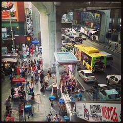 ถึงจะเป็นวันอาทิตย์ แต่ก็เป็นช่วงวันเที่ยวของวันตรุษจีน สยามคนก็ยังคึกคัก รถก็ติดตามปกติ #Jaymart  #Bangkok #Thailand #เมืองไทยผ่านมือถือ