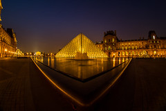 Triangles d'or (Explore) (RVBO) Tags: paris couleurs nuit