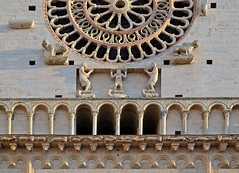Cattedrale di San Rufino, dettaglio - St. Rufino's Cathedral, detail (Ola55) Tags: windows italy peace pace assisi umbria italians rosone mywinners aplusphoto doorsandwindowsaroundtheworld bellitalia cattedraledisanrufino hccity worldtrekker cittdellapace