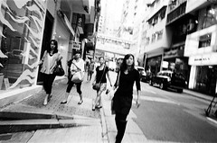 (Yuwei*) Tags: hongkong  ricohgr1v streetsnap autaut kodakdoublex