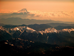 Minami Alps & Fuji san (Jose Rentera Cobos) Tags: mountain snow alps nature beauty japan landscape japanese volcano san fuji view hiking paisaje aerial mount southern filter fujisan minami peaks montaa p7000 mountaneer