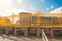 Versailles Or (Nuck_Type) Tags: blue sky paris france color colors fun gold sony 8 17 f2 mm chic 50 chateau tamron f28 luxe paradis slt portail a55