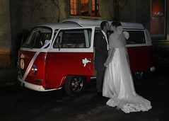 Togetherness Kiss (HappySnapper_1) Tags: red groom bride kiss bridalcouple vwcampervan