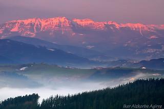 Aizkorri (Haitz gorri) / Aizkorri ( Roca roja)