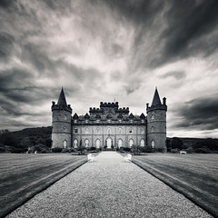Inveraray Castle (Philipp Klinger Photography) Tags: road park uk greatbritain windows summer sky blackandwhite bw cloud house storm tower castle window nature grass lines june architecture clouds garden dark bench way point landscape scotland blackwhite europa europe unitedkingdom britain terrace argyll united country great towers kingdom stormy medieval gb scotch loch benches argyle vanishing leading bnw gravel sco fyne schottland countryhouse argyllshire inveraray lochfyne inveraraycastle