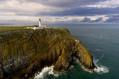 Mull of Galloway, the most southerly point in Scotland (iancowe) Tags: mullofgalloway mull galloway lighthouse scotland scottish cliff cliffs clifftop irish sea nlb northernlighthouseboard stevenson rhins south southerly drone dji phantom 4 djiphantom4 aerial waves drummore