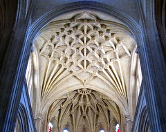 The chancel and apse lierne-vaulted ceilings, Segovia Cathedral, Spain (Hunky Punk) Tags: church cathedral segovia spain chancel apse ceiling lierne star net vaulting vaulted tracery ribs boss