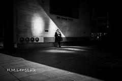 MONO3162 (H.M.Lentalk) Tags: summilux summiluxm 28mm 28 f14 14 114 11428 oz aussie australia australian street sydney black white people urban life city asph monochrome m typ 246