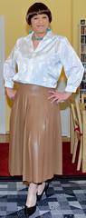 Birgit022944 (Birgit Bach) Tags: pleatedskirt faltenrock fauxleather kunstleder blouse bluse satin