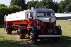 Ford 698W (1956) met tankoplegger van Oliehandel Rijmar in Roermond met kenteken PN-82-06 25-09-2016 (marcelwijers) Tags: ford 698w met tankoplegger van oliehandel rijmar roermond kenteken pn8206 25092016 truck lkw vrachtwagen nederland limburg noord netherlands niederlande camion benzine 1956