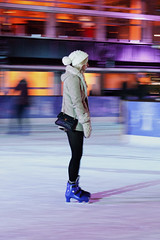 Tired ice skater #2 (Silbhe.) Tags: christmas street winter woman london history ice girl museum 50mm nikon candid south 14 ring national skate skater kensington nikkor fx panning inverno natale londra pista afs ragazza ghiaccio d700