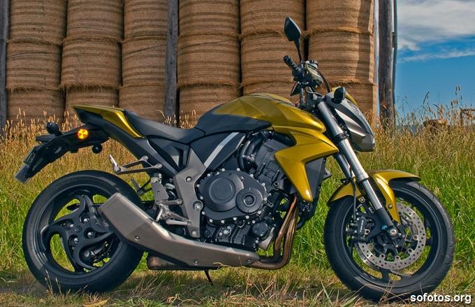 Honda CB 1000R 2009 Dourada