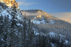 Twilight at Snowqualmie Pass (Andrew E. Larsen) Tags: winter white snow cold snowshoeing wintersky snoqualmiepass papalars andrewlarsen andrewlarsenphotography