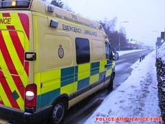 West midlands ambulance service/vauxhall mo