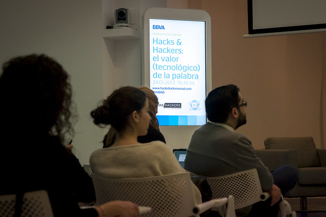 "Hacks & Hackers Madrid - 24/01/13 • <a style=""font-size:0.8em;"" href=""http://www.flickr.com/photos/32810496@N04/8413938476/"" target=""_blank"">View on Flickr</a>"
