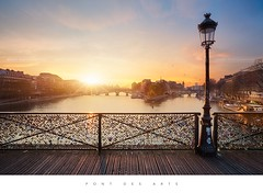 Pont des Arts - Paris (Beboy_photographies) Tags: sunset paris france seine sunrise river arts des pont fleuve pontdesarts lerverdesoleil