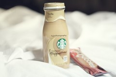 ,,      !* (Fajer Alajmi) Tags: white black drink chocolate bubbles galaxy starbucks vanilla cocoa frappuccino
