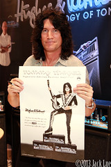 tommythayer_kiss