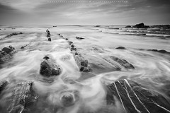 COLOUR FILL (R a q u e l d e C a s t r o | Images) Tags: longexposure sea sky beach mar waves playa spuma cielo foam olas rocas paisvasco roks barrika bizcaya flychs raqueldecastroimagessmugmugcomblancoynegro