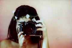 autoretrato (verdeturquesa) Tags: flores film 35mm autoretrato analoga zenit12xp