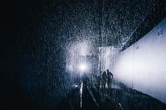 雨の部屋。 (Crusade.) Tags: uk england building london art rain architecture canon barbican 17 tse tiltshift rainroom 5d2