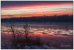 Winter sun-rise on the Wisconsin river. (lada/photo) Tags: morning winter ice sunrise morninglight wisconsinriver floatingice canon40d ladaphoto