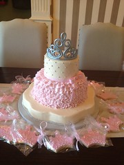 "Princess baby shower cake • <a style=""font-size:0.8em;"" href=""http://www.flickr.com/photos/60584691@N02/8547748140/"" target=""_blank"">View on Flickr</a>"
