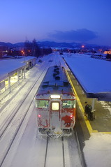 (( _`) Sho) Tags: winter snow station japan train hokkaido platform     furano