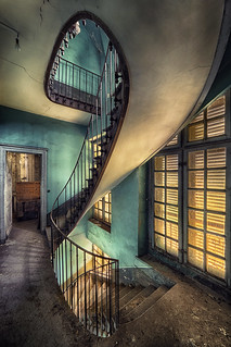 Swinging Stairway
