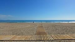 Mirando al Mar (Fotomondeo) Tags: sea espaa beach valencia mar spain sand playa arena alicante playadesanjuan