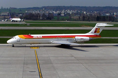 Iberia EC-EXT (Howard_Pulling) Tags: camera canon switzerland photo foto swiss aviation zurich 2006 fotos april flughafen airlines zuerich zurichairport flug hpulling howardpulling 760uz