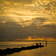 Rays 2 (Mariasme) Tags: clouds sunrise dawn fishing silhouettes rays botanybay squarecrop gamewinner matchpointwinner favescontestwinner faveswinner fotocompetition fotocompetitionbronze gamex2winner t249 ultraherowinner pregamewinner gamex3sweepwinner favescontestfavored