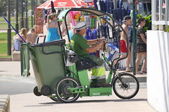 green latern car (rainer.marx) Tags: leica beach strand lumix meer urlaub panasonic electro holliday spanien malorca calamillor greenlatern fz1000