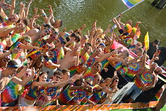 Canal Pride Amsterdam 2016 (O. Herreman) Tags: amsterdam gaypride canalpride canal pride homo biseksueel transgender lesbisch europride feest boten botenparade nederland amsterdamsegrachten eurogayprideamsterdam outdoor stad party mensen travestie prinsengracht brouwersgracht water city friends people homoemancipatie europe netherlands holland paysbas noordholland centrum amsterdampride parade lgbt freedom liberty rights droits gay civilrights festa fte coc boat bateau crowd happy reguliersgracht pont lovewins toerisme straatfeest streetparty canalprideamsterdam gayprideamsterdam gracht grachtenparade grachten regenboogkleuren regenboogvlag rainbowcolors