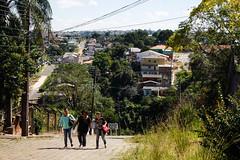 Os buracos da urbe (Lente Quente) Tags: josetramontin cidade street streetphotography city cities people cotidiano brasil brazil olimpiadas olimpicgames rio2016 favela