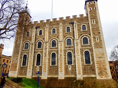 The White Tower, The Tower of London (photphobia) Tags: tower toweroflondon london castle castillo fortress city oldwivestale cityoflondon outdoor architecture buildings building buildingsarebeautiful thewhitetower
