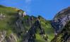 Österreich / Austria: Kleinwalsertal (CBrug) Tags: kleinwalsertal bad mittelberg bärgund bärgundalpe vorarlberg österreich austria outdoor landschaft landscape grat bergkamm felsen rocks gras grass wiese abhang berg 3000v120f