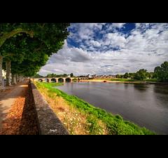 Landscape of Chinon (EddyB) Tags: eddyb nikon d300s sigmaaf1020mmf456exdchsm europa europe francia france chinon paisaje landscape river rio loira loire puente bridge perspective perspectiva vanish