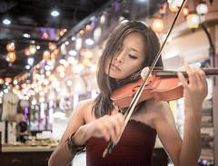 Violine play (juhududa) Tags: art bangkok thailand violine classic music mall terminal21 terminal 21 artist live