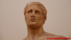 Delphi Archaeological Museum - Statue of Agias of Pharsala (soyouz) Tags: delfi delphi grc grce delphes grec phocis sculpture statue delphiarchaeologicalmuseum grcela