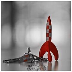 R is for rocket (Mister Blur) Tags: macro mondays risforrocket risforrubnrodrigo selective color tintin rocket keychain nikon d7100 18 buildarocketboys thefirstletterofmyname 50mm el muro paraelmuro