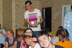 IMGP0025 (Henk de Regt) Tags: mongolië mongolia mohron mce buhug vrijwilligers volunteers children kinderen school sport games fun waterfight slangenmens contortionist summercamp