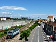 E405.004 (Luca Adorna) Tags: e405 e405004 milano milan italianrailways italianrailway isolata merci ferroviedellostato ferrovia sky urban citta xmpr