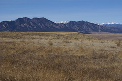 No Snow (E-Wiskr) Tags: colorado superior dry boulder flatirons nosnow broomfield firedanger snowcappedpeaks unseasonablywarm hightemperature