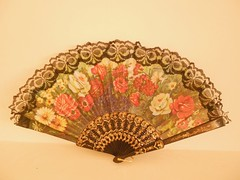 Hand fan (Veena-Nair) Tags: travel india home place attractive easytouse lacefan foldingfan floraldesigns cherishlife decorativepiece smallhappiness veryconvenient chinesehandfan nikoncoolpixs4150 sikkimmemories