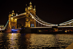 Tower Bridge, London, GB (Amidared) Tags: uk nightphotography bridge building london tower thames architecture towerbridge river unitedkingdom britain bridges arches riverthames touristattraction thamesbridges famousbridges d5000 riverx londontouristattractions riverthamesx thamesx