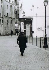 011 (Jelausin) Tags: street people white black paris nature architecture documentary
