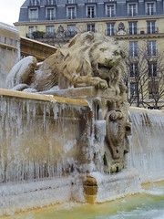 Lion givr 1 (Fvrier 2013) (Ostrevents) Tags: winter sculpture paris france ice fountain st statue hiver lion capitale fontaine glace givre stsulpice sulpice chn ostrevents