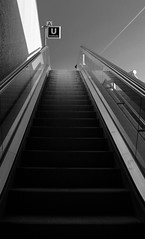 Aufwrts - up in the air (sake028) Tags: city blackandwhite bw subway nikon stair metro escalator treppe u stadt ubahn sw schwarzweiss rolltreppe frth nikond5100